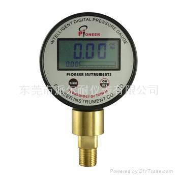 PIONEER牌63mm電池供電數顯壓力表 1