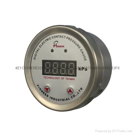 100mm數顯電接點壓力表 7