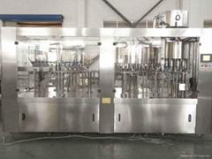 矿泉水灌装机
