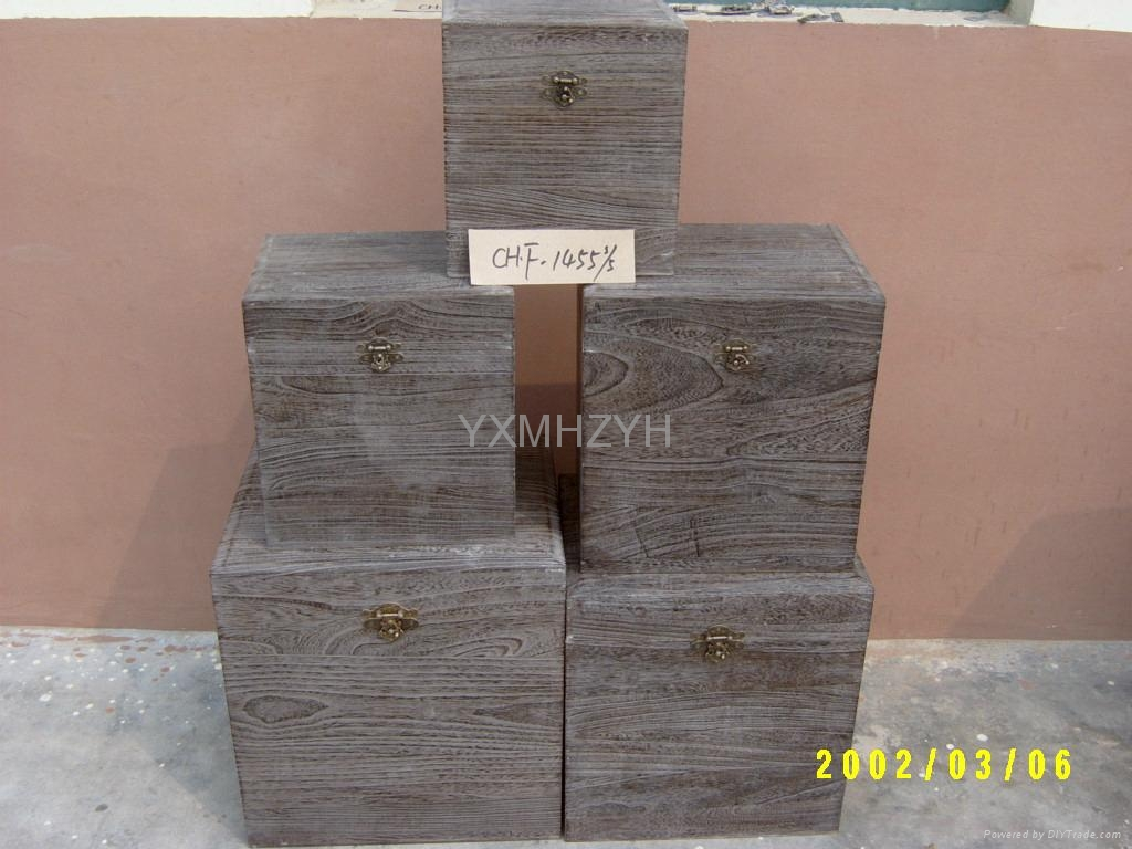 Paulownia wood box with burned 1