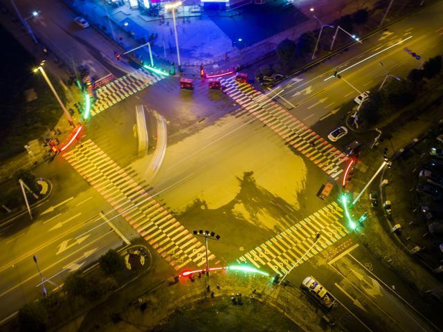 斑马线LED发光砖 2
