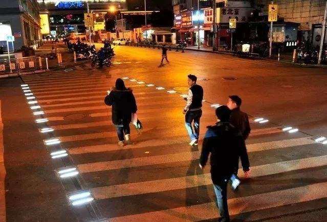 斑马线LED发光砖 3