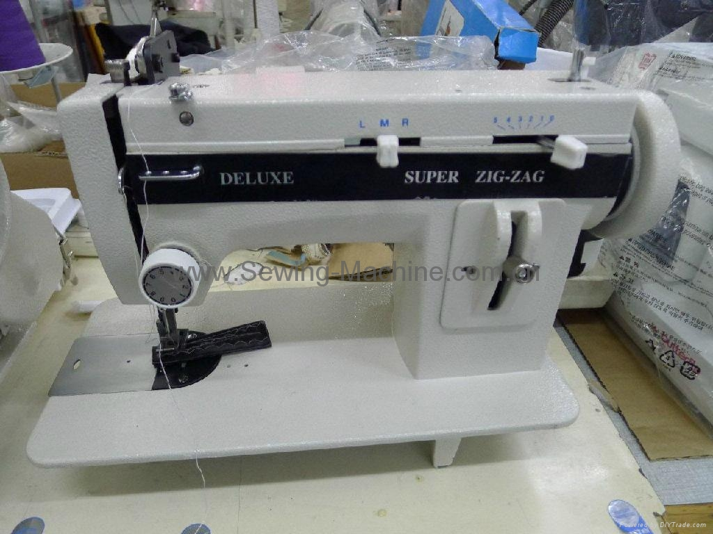 DELUXE ZigZag Portable Walking Foot Sewing Machine LSZ1 1