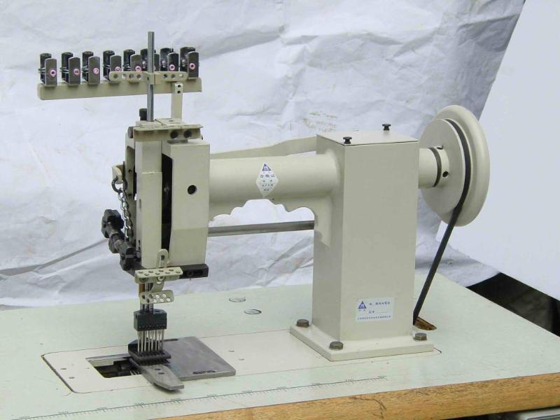 TABLE MODEL CARPET TUFTING MACHINE 1