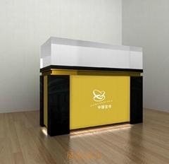 深圳中纖板烤漆展櫃訂做
