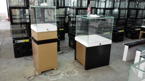 中纖板烤漆精品展櫃 4