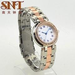 Luxury quartz watch alloy watch with stones on case