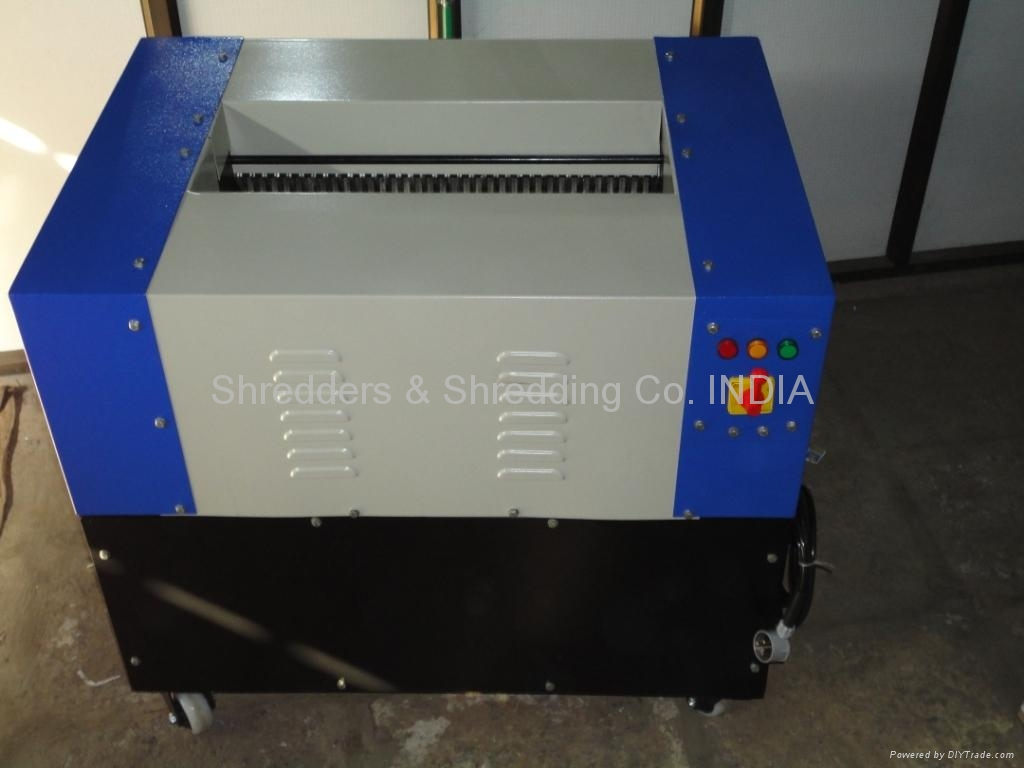 INDUSTRIAL PAPER SHREDDER 1