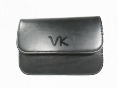 威奇手袋厂定制新款高档化妆包和腰包