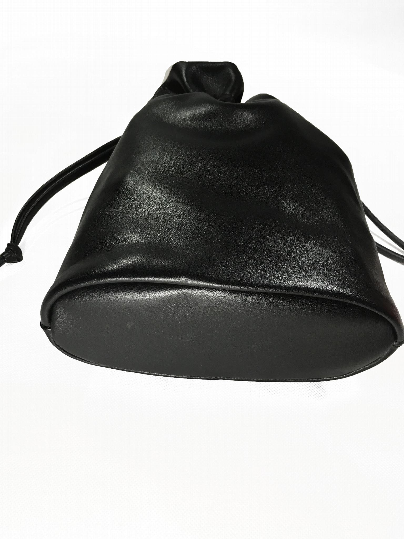 威奇手袋厂新款简约时尚羊皮束口收纳袋定制 5