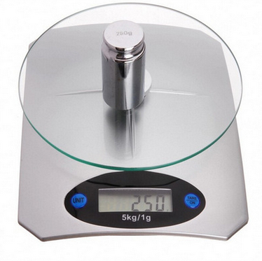 Tempered glass digital kitchen scale with capacity 5kg*1g 2