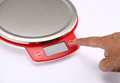 Kitchen scale with 1.88L bowl