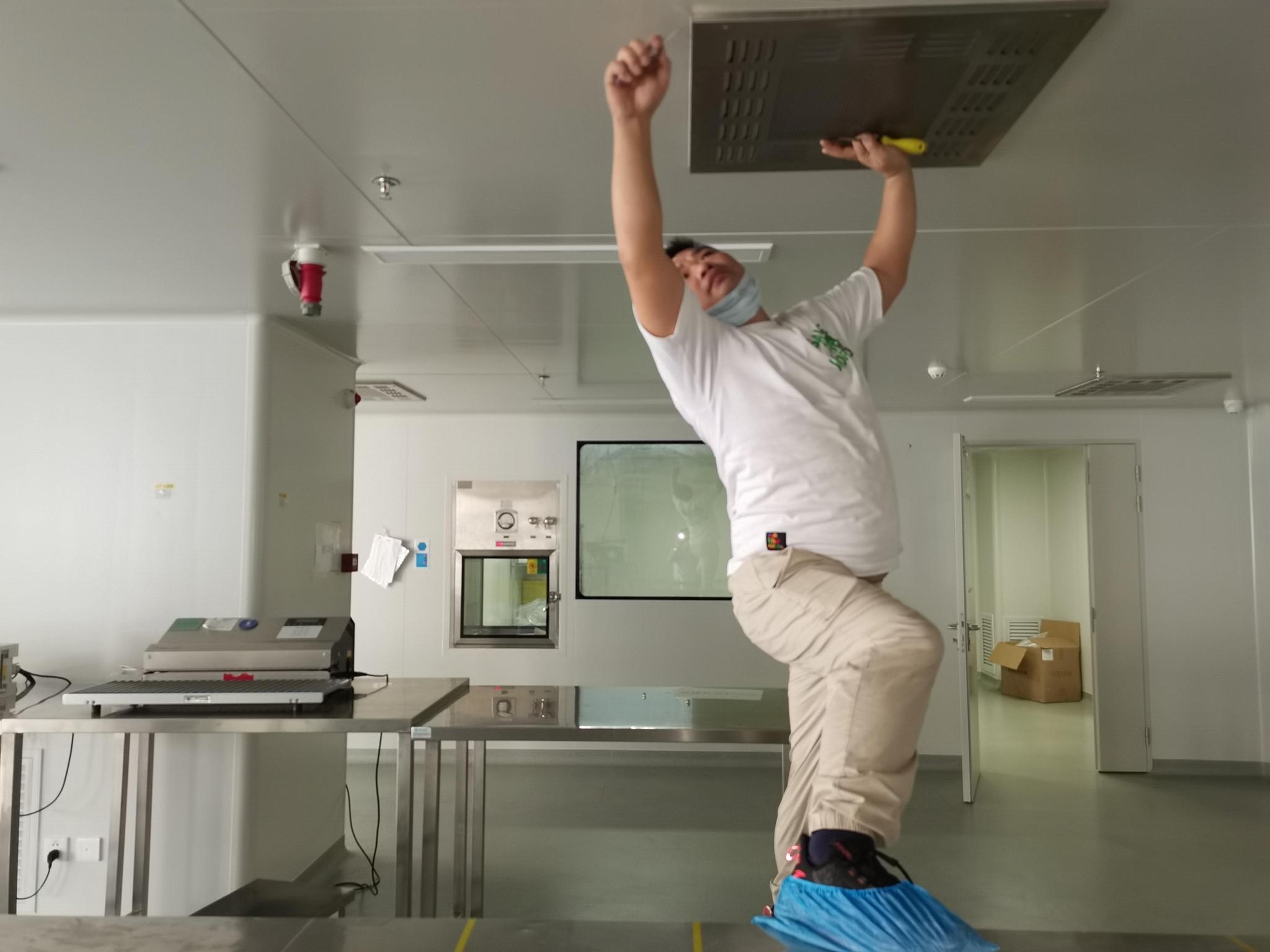 实验室洁净室维护保养过滤器更换 3