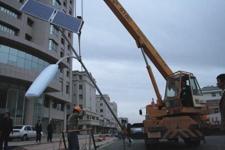 太阳能风能路灯 4