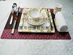 咖啡色餐垫