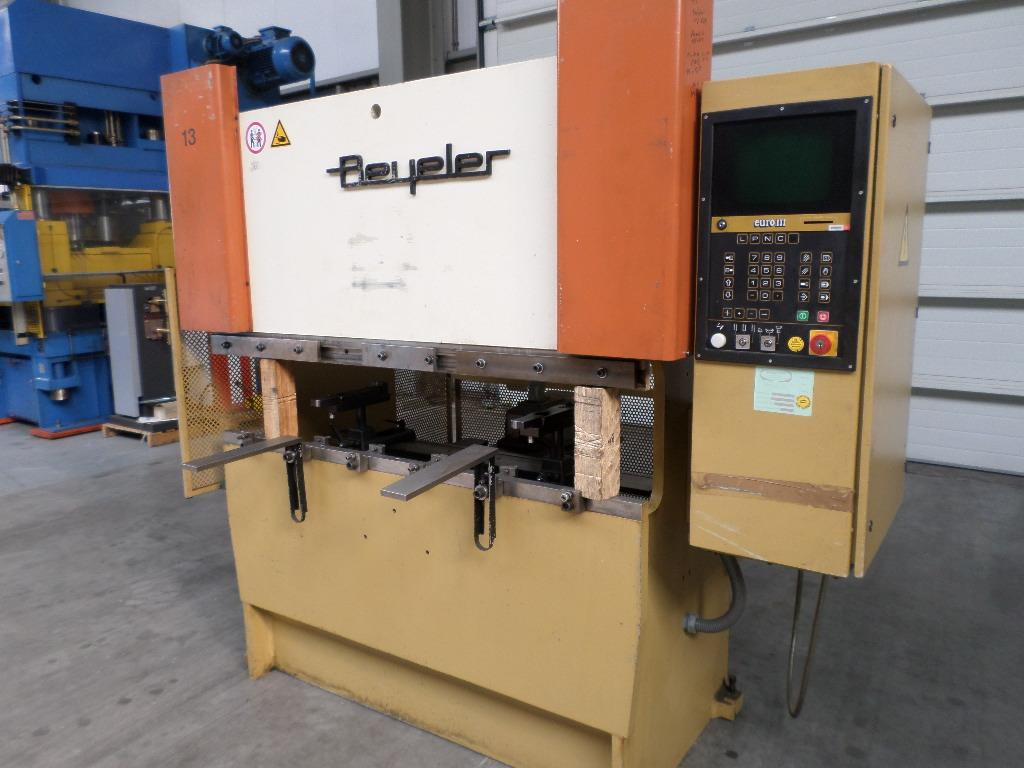 Replacement Monitor for BEYELER CNC press brake w/CNC Cybelec Control 11