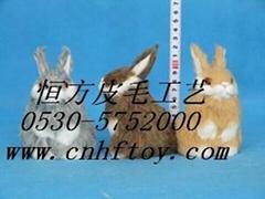 造型优美的兔子动物玩具