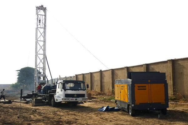 400m truck mounted water well rig 1