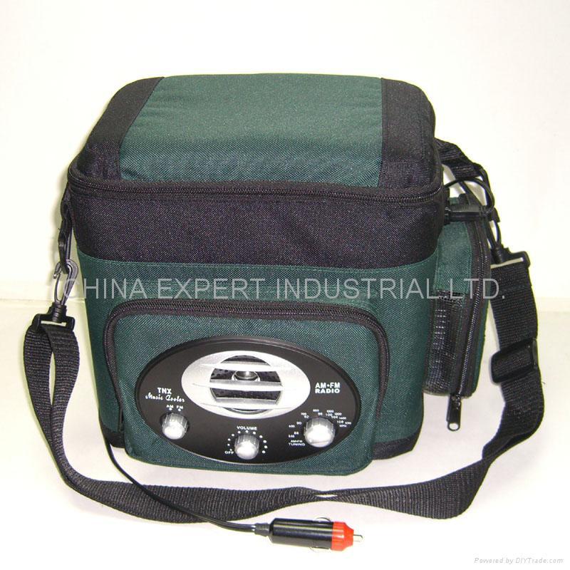 6-Liter Cooler Bag AM.FM Radio 3