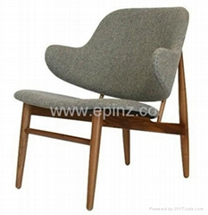 IL-10 easy chair