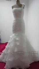 高檔手工釘珠抓褶塔夫綢荷葉邊拖尾白色婚紗