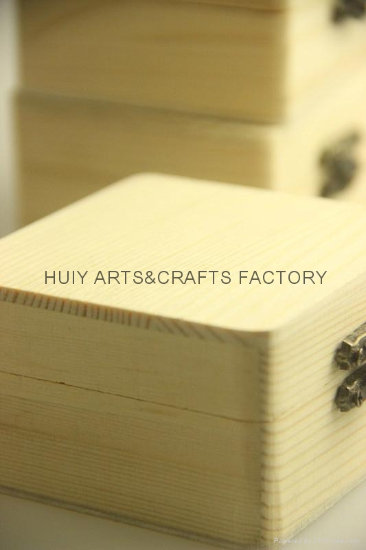 2014 new design small pine wood gift box 3