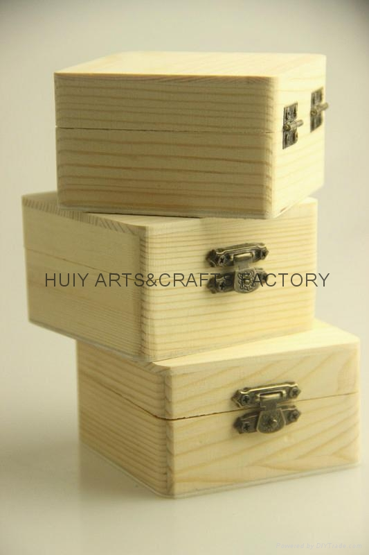 2014 new design small pine wood gift box 4