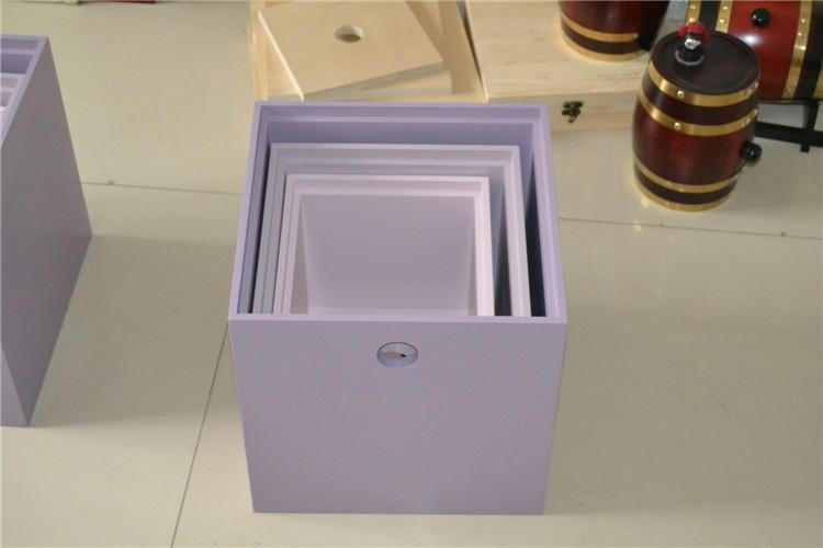Fashionable collection box 3