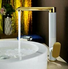 Factory price kitchen sink taps modern kitchen faucets