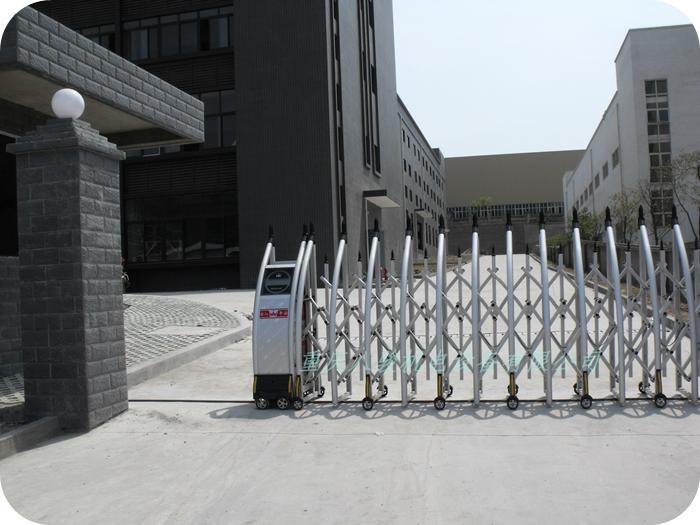 重慶鋁合金電動門 1