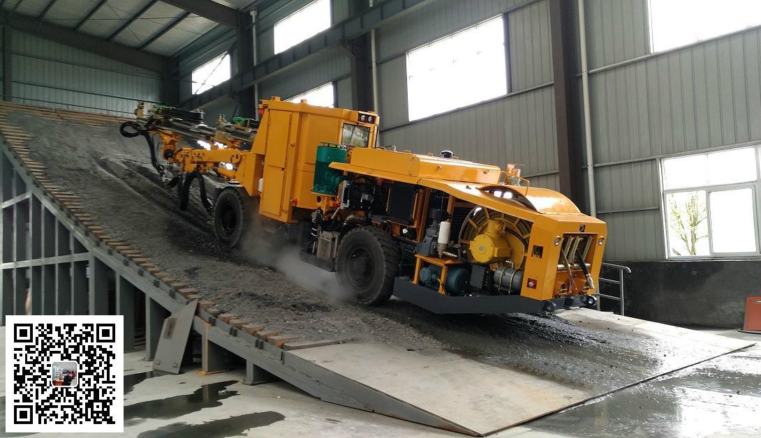 新型矿用轮胎式液压钻车 2