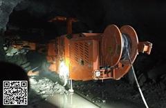 新型礦用輪胎式液壓鑽車
