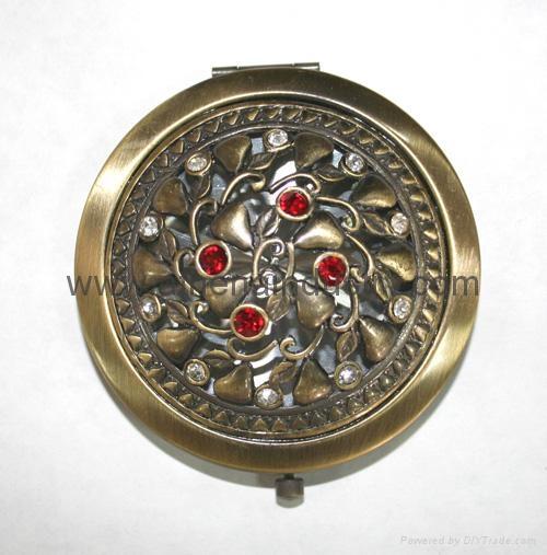 Antique metal elegant compact mirror 1