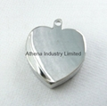 Simple heart shaped metal solid perfume container necklace pendant jewelry