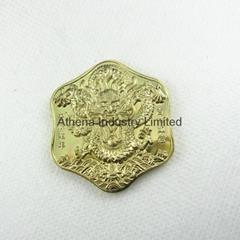 浮雕龙图案金属会徽