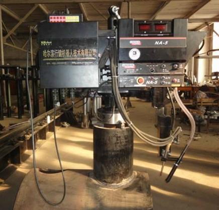 卡盤式馬鞍形自動焊接機 1