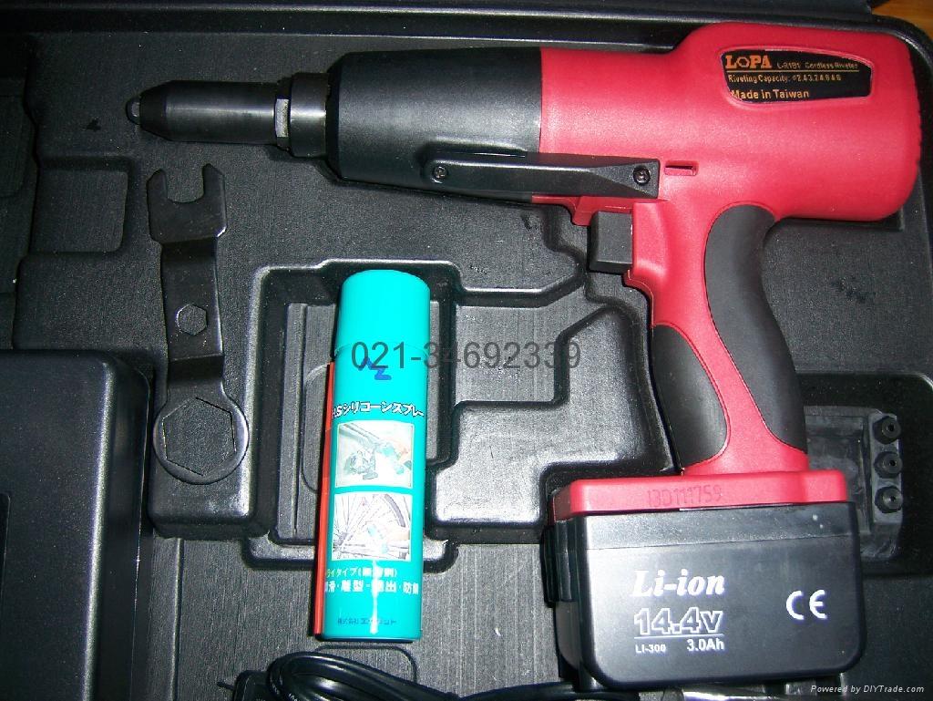 台湾老牌LOPATOOL充电式电动抽芯拉铆铆钉枪 3