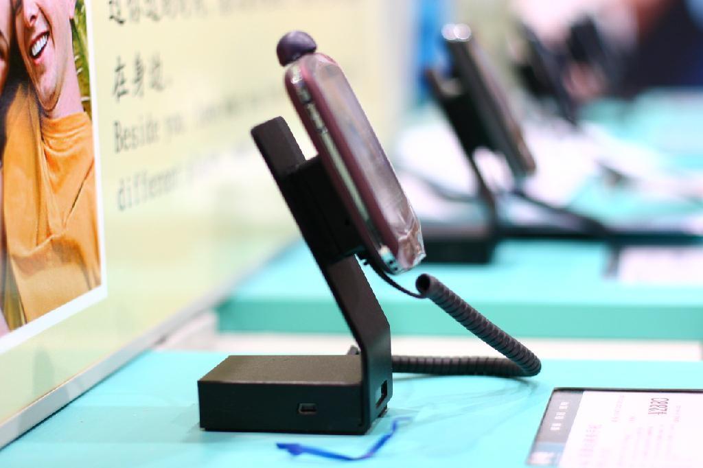 手機充電防盜報警器 手機陳列報警器 體驗展櫃防盜器 5