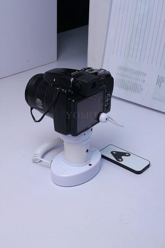 圓柱形相機報警器 充電防盜一體 真機防盜展示體驗 4
