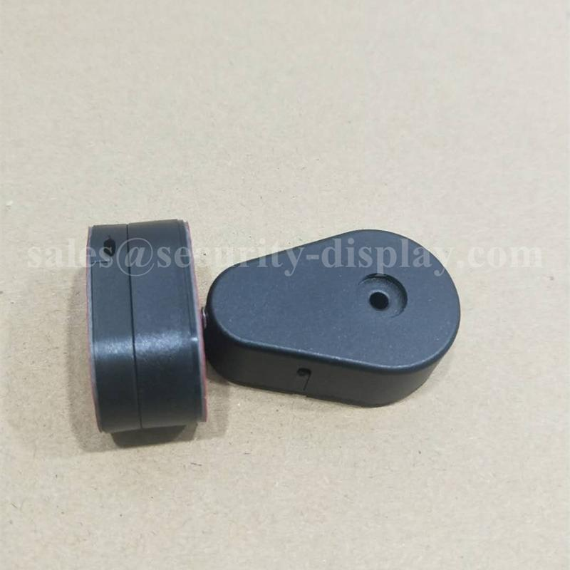 Retractable Device for Cellular Phone Retail Display 3