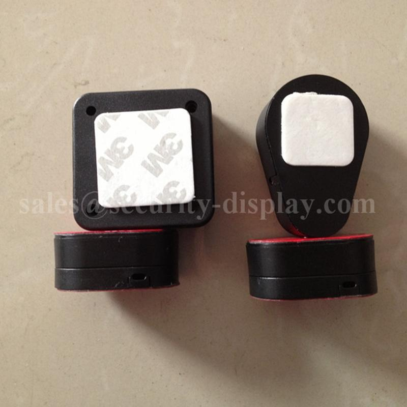 Retractable Device for Cellular Phone Retail Display 5