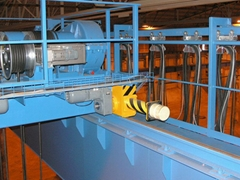 QD(5+5)~(16+16)吨下旋转挂梁桥式起重机