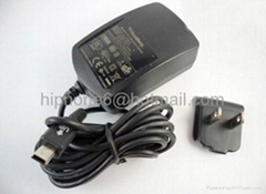 Blackberry cell phone charger comes with three clips and retail box