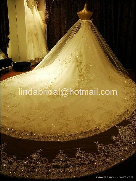 A-line Lace Wedding Dresses Rhinestones Luxury Wedding Gowns  3