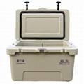 Roto Cooler Box 45L