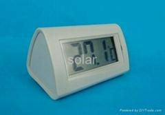 Solar digital thermometer