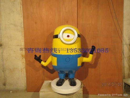 卡通小黄人雕塑 5