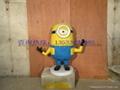 卡通小黄人雕塑 3