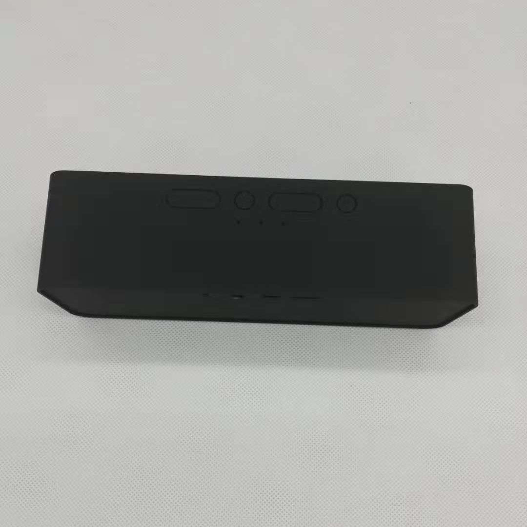 新款便携式插卡蓝牙音箱 2