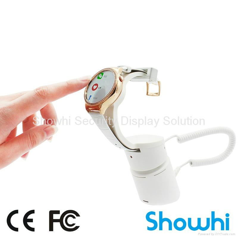 Showhi WATCH display security stand in shop HSE73 1